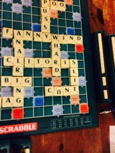 scrabble in pub