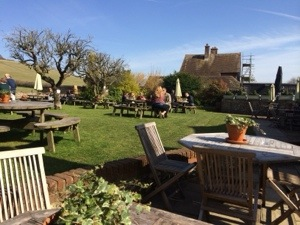english pub garden