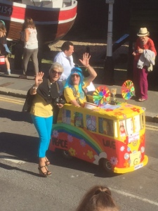 That Nice Lady Decorator pulls at Hastings Carnival
